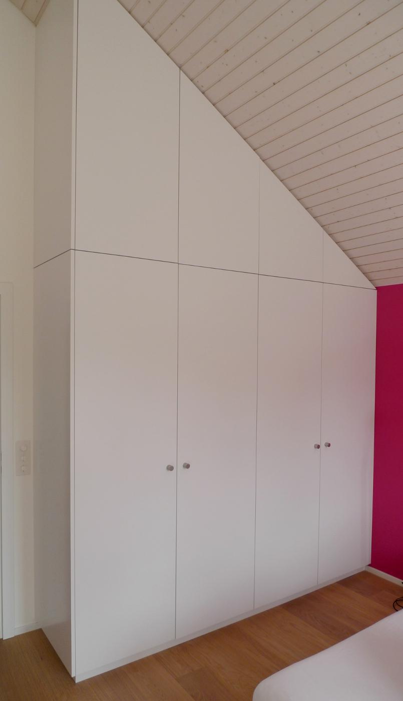 armoire sous pente. Black Bedroom Furniture Sets. Home Design Ideas