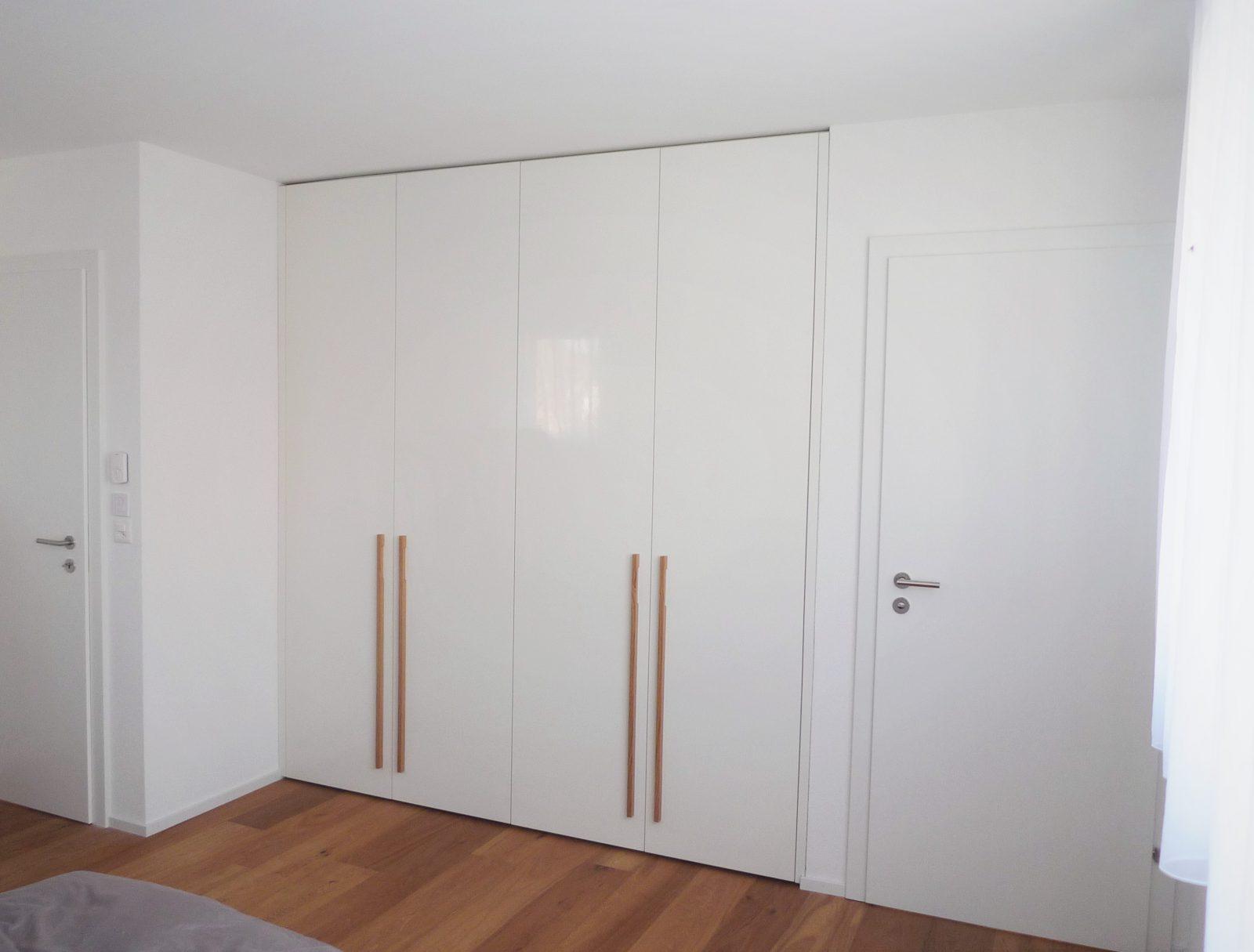 armoire laquée brillant